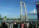 Jembatan Mahakam TENGGARONG-SAMARINDA runtuh
